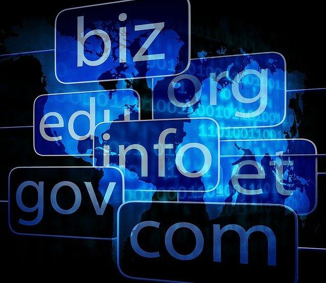 domain-1345116_640